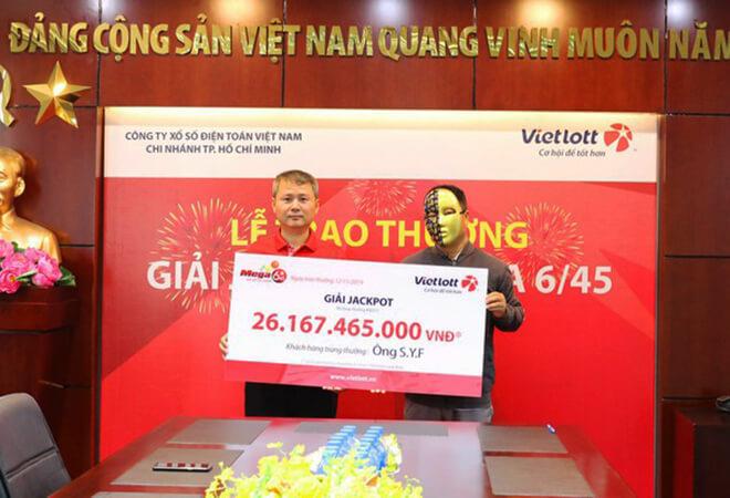 Người nước ngoài đầu tiên trúng giải xổ số độc đắc Mega 6/45 của Vietlott